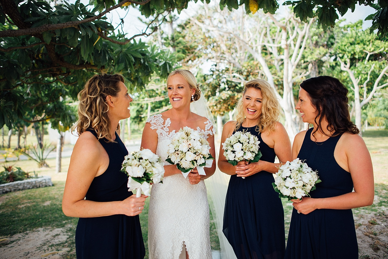 Emma-Andrew-WeddingPhotography-VillaChampagne-Evrisamting-GroovyBanana-VanuatuPhotographers_0008.jpg