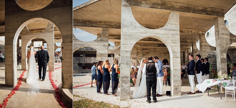 Emma-Andrew-WeddingPhotography-VillaChampagne-Evrisamting-GroovyBanana-VanuatuPhotographers_0010.jpg