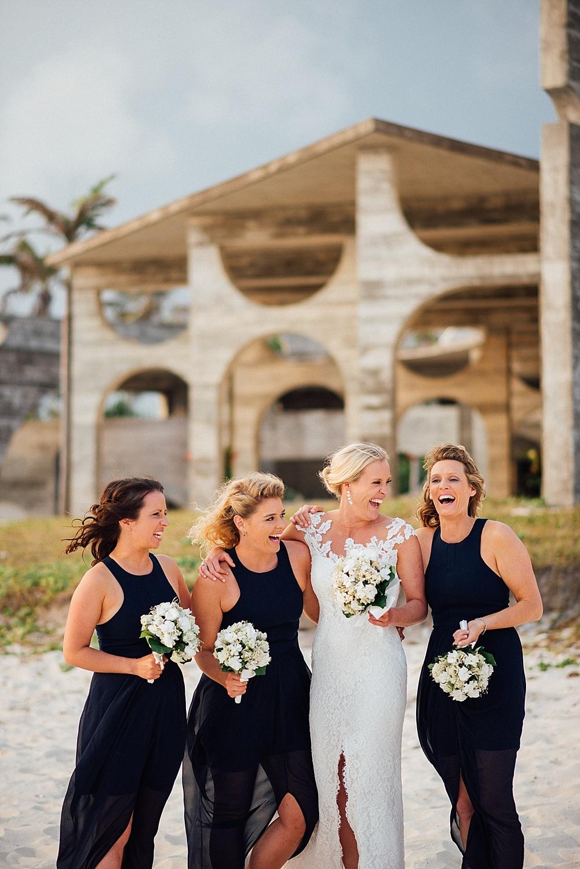 Emma-Andrew-WeddingPhotography-VillaChampagne-Evrisamting-GroovyBanana-VanuatuPhotographers_0022.jpg