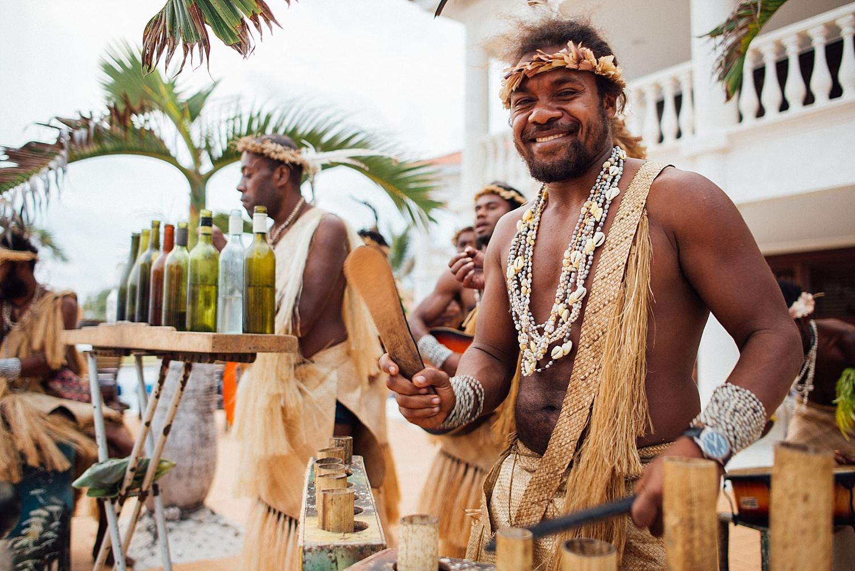 Emma-Andrew-WeddingPhotography-VillaChampagne-Evrisamting-GroovyBanana-VanuatuPhotographers_0023.jpg
