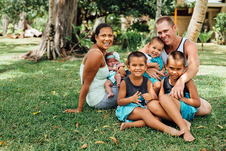 Aurelie-Mark-Pikininis-FamilyPhotoshoot-PortVila-ErakorIsland-GroovyBanana-VanuatuPhotographers-Photography_0001.jpg