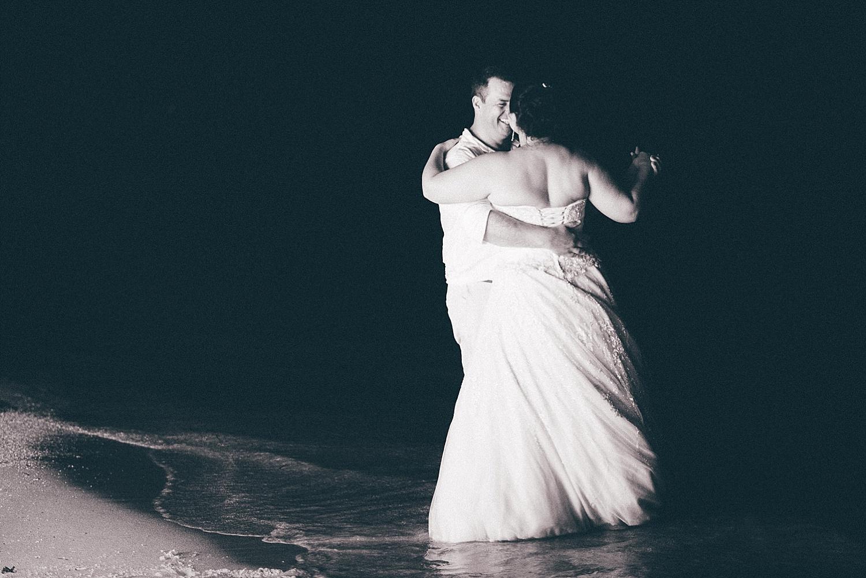 Liz-Benn-WeddingPhotography-ErakorIsland-GroovyBanana-VanuatuPhotographers_0033.jpg