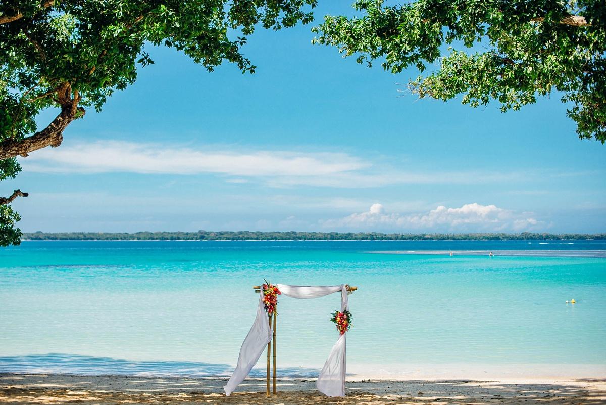 rachel-chris-wedding-santo-barrer-reef-house_0001.jpg