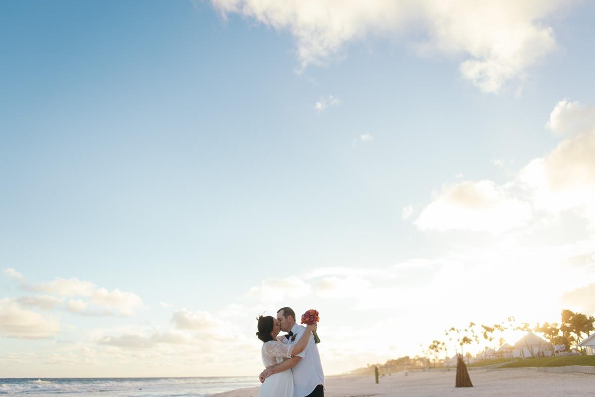 sarah-shaun-tamanu-wedding-vanuatu-groovy-banana_0047.jpg