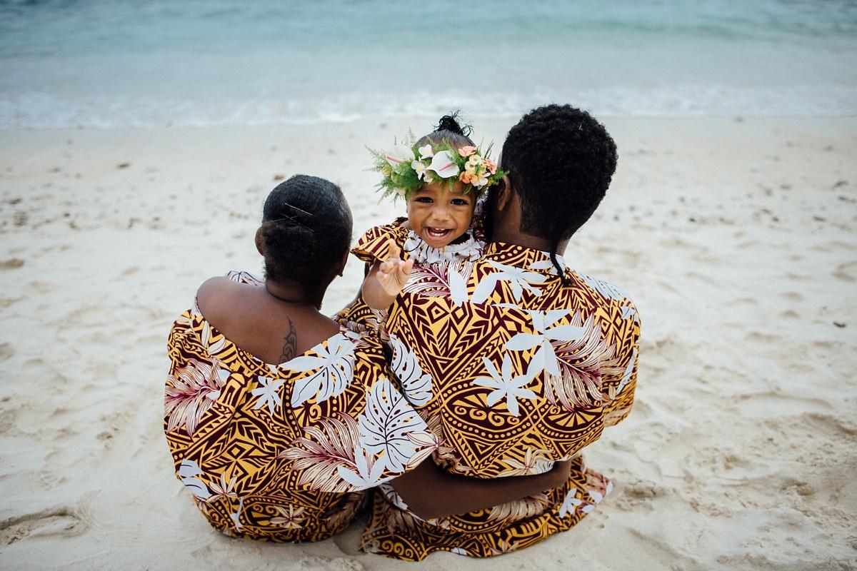 josephine-denise-patrick-family-photoshoot-vanuatu-groovy-banana_0007.jpg