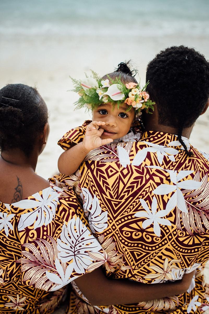 josephine-denise-patrick-family-photoshoot-vanuatu-groovy-banana_0008.jpg
