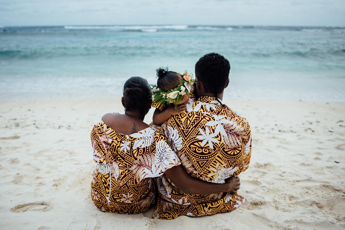 josephine-denise-patrick-family-photoshoot-vanuatu-groovy-banana_0009.jpg