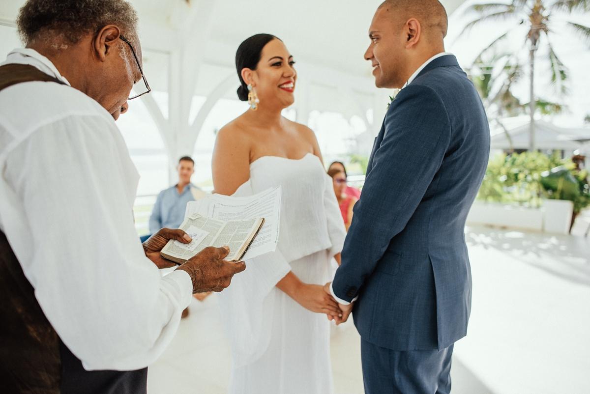 ryck-nyra-wedding-tamanu-on-the-beach-vanuatu-groovy-banana_0021.jpg