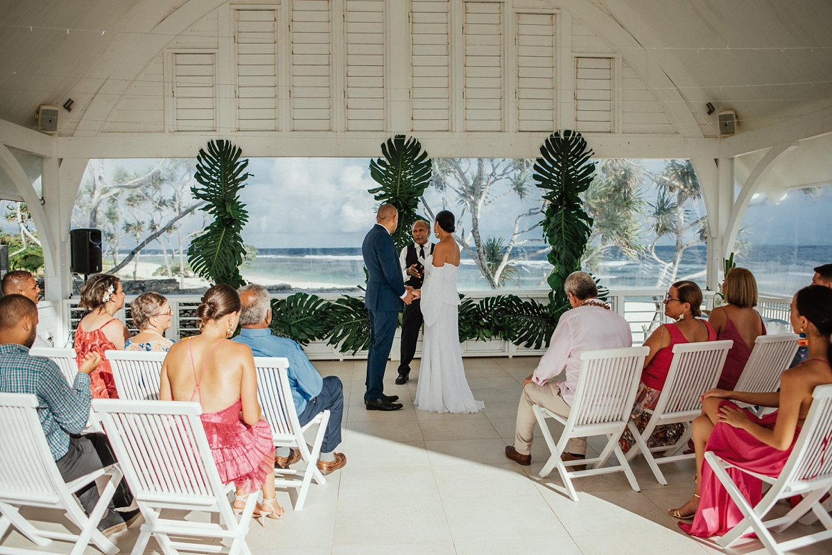 ryck-nyra-wedding-tamanu-on-the-beach-vanuatu-groovy-banana_0024.jpg
