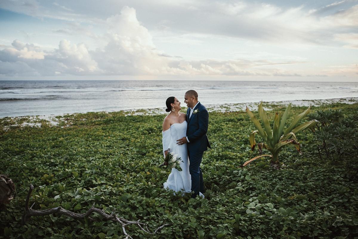 ryck-nyra-wedding-tamanu-on-the-beach-vanuatu-groovy-banana_0039.jpg