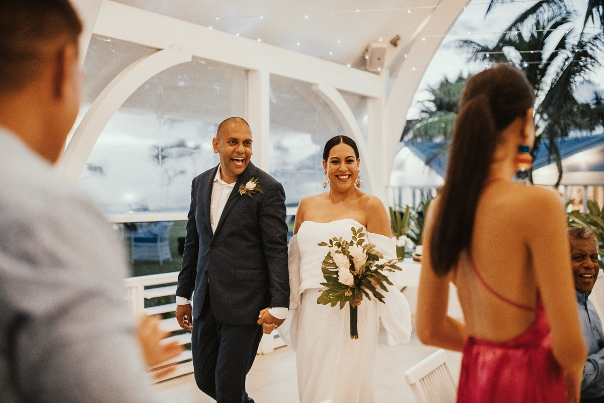 ryck-nyra-wedding-tamanu-on-the-beach-vanuatu-groovy-banana_0045.jpg