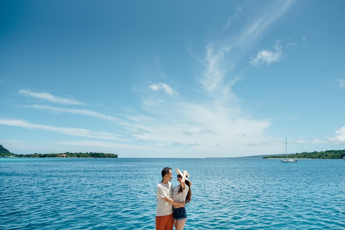xinjin-jialiu-engagement-photoshoot-waterfront-port-vila-vanuatu-groovy-banana_0005.jpg