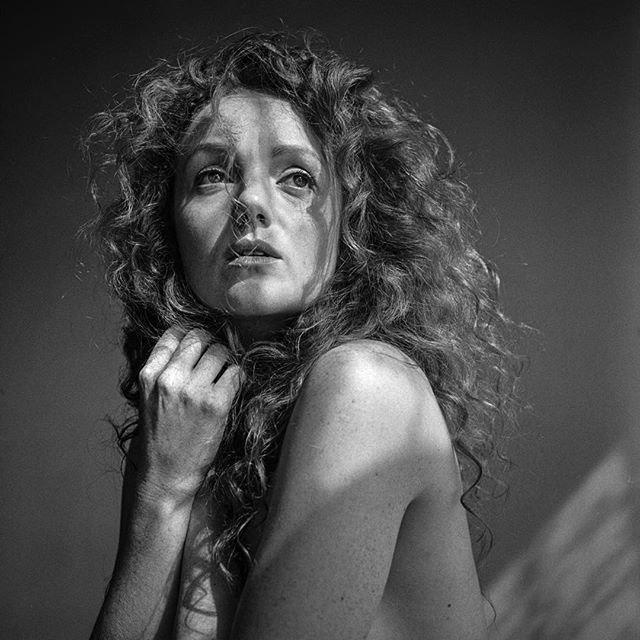 beautiful_black_and_white_portrait_photography_2.jpg