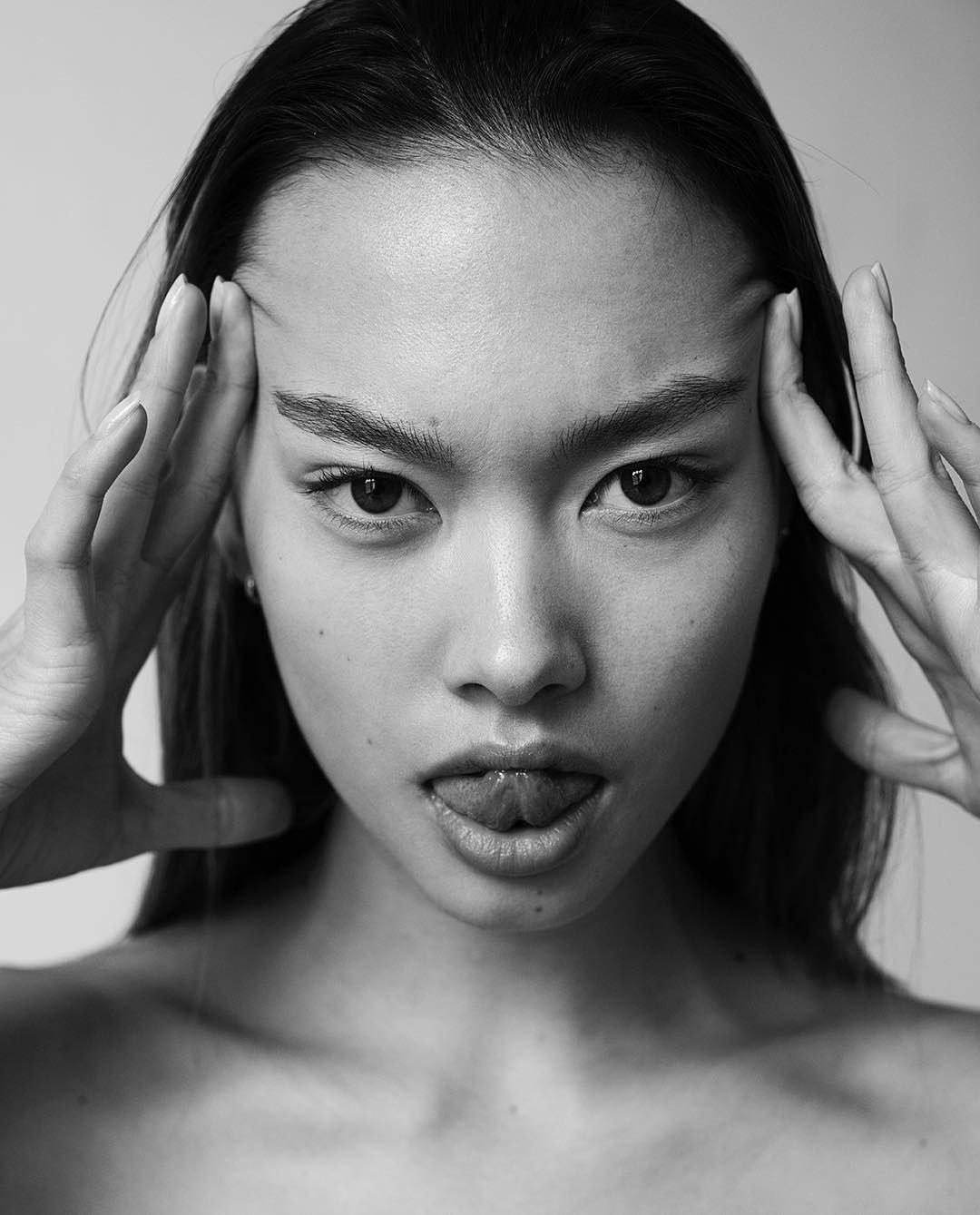 beautiful_black_and_white_portrait_photography_18.jpg