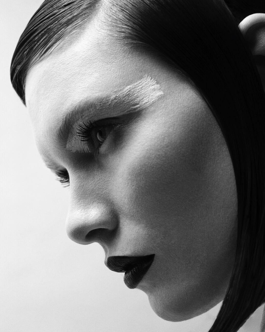 beautiful_black_and_white_portrait_photography_28.jpg