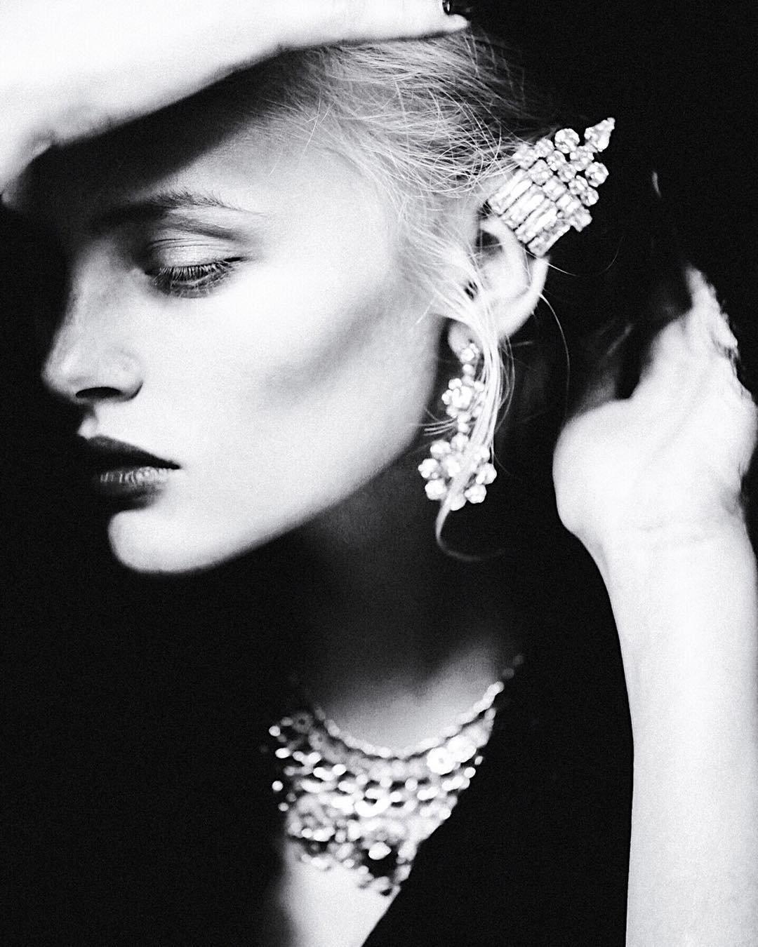 beautiful_black_and_white_portrait_photography_33.jpg