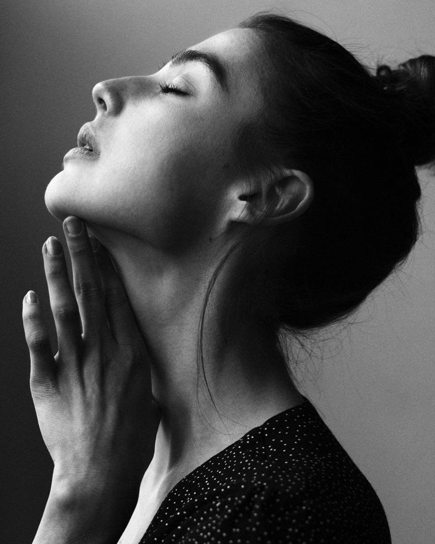 beautiful_black_and_white_portrait_photography_46.jpg