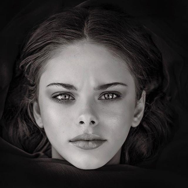 beautiful_black_and_white_portrait_photography_61.jpg