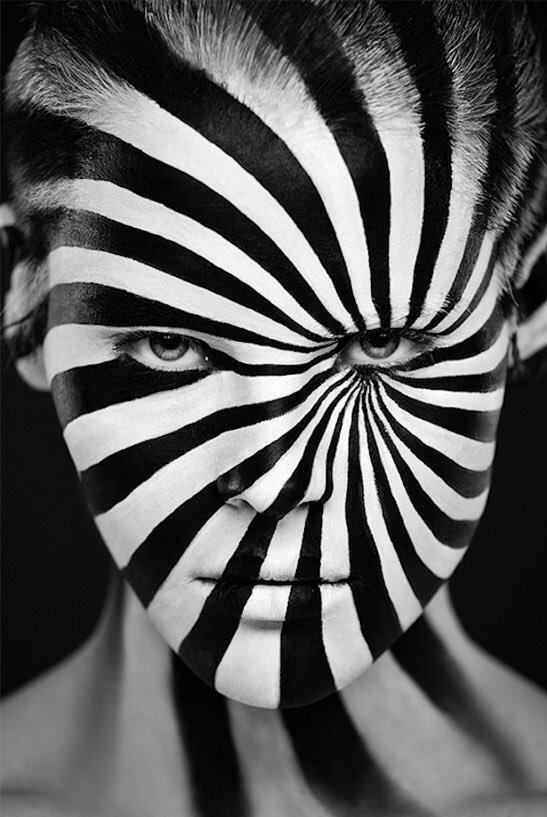 beautiful_black_and_white_portrait_photography_71.jpg
