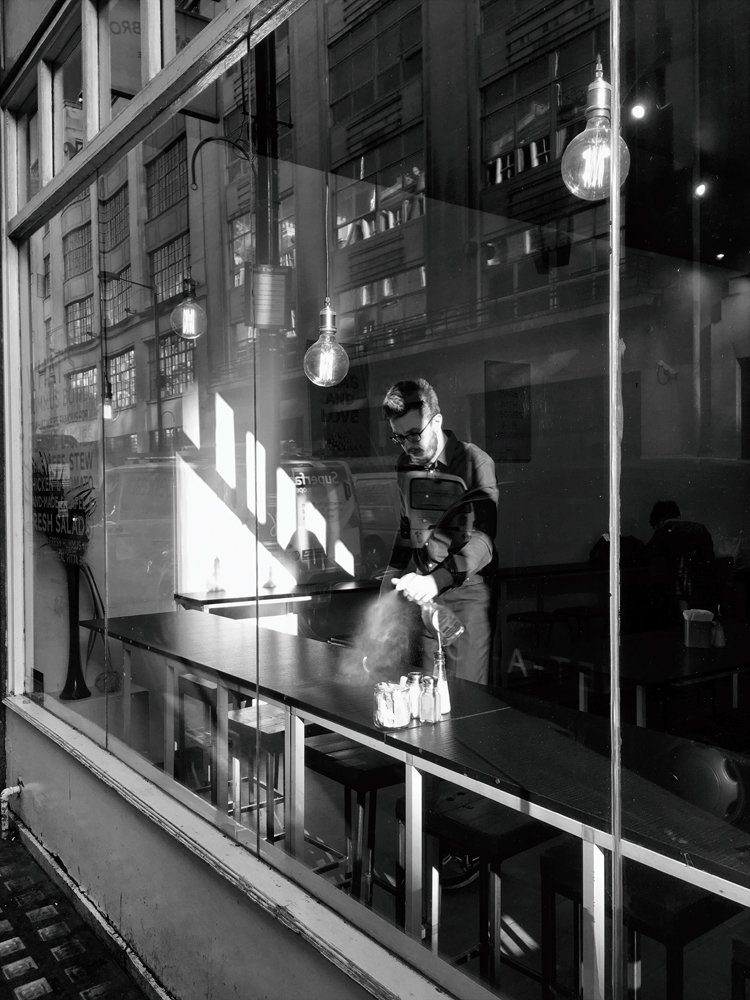 black_and_white_street_photography_9.jpg