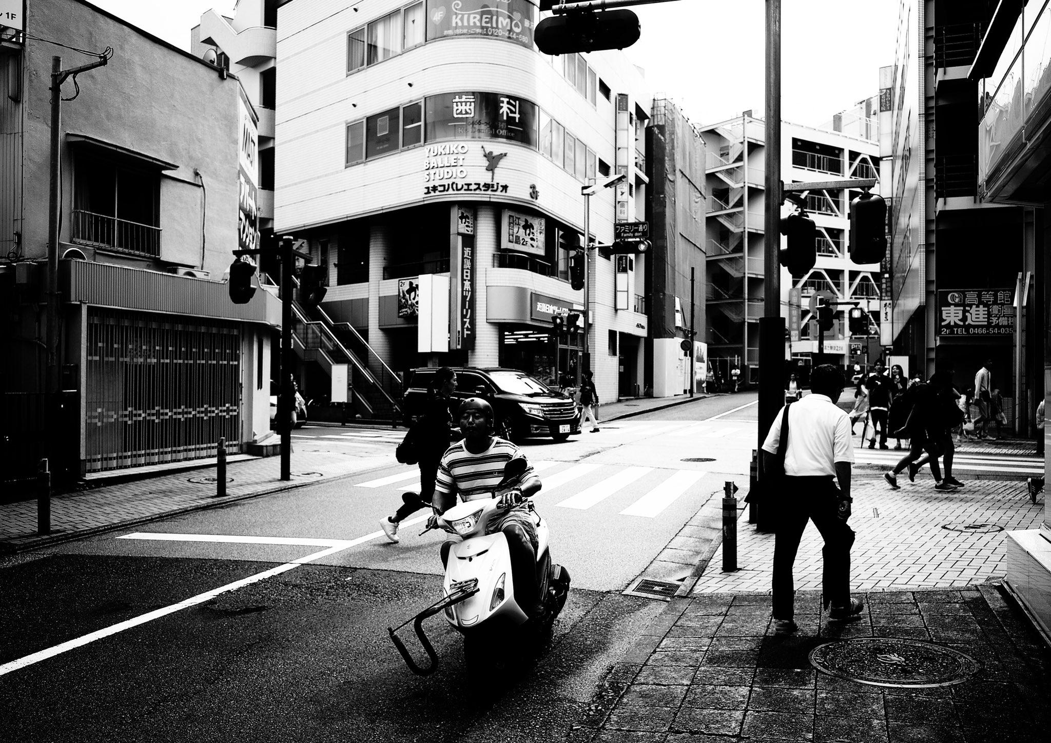 black_and_white_street_photography_4.jpg