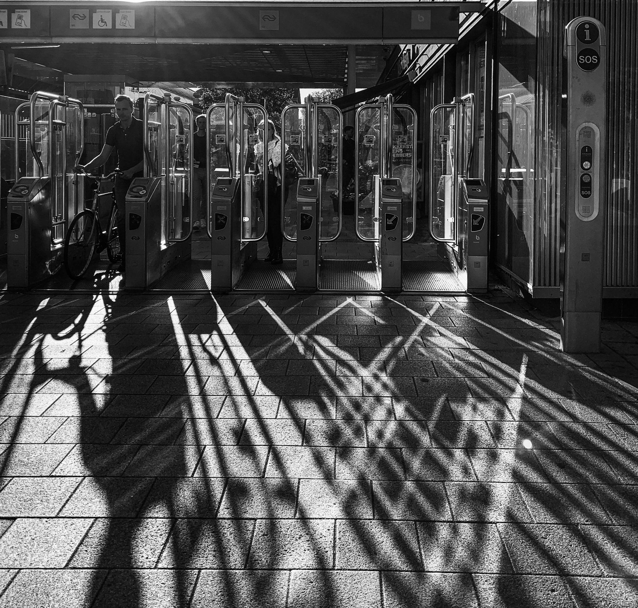 black_and_white_street_photography_15.jpg