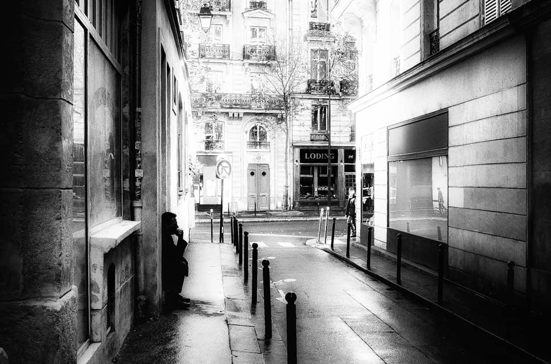 black_and_white_street_photography_24.jpg