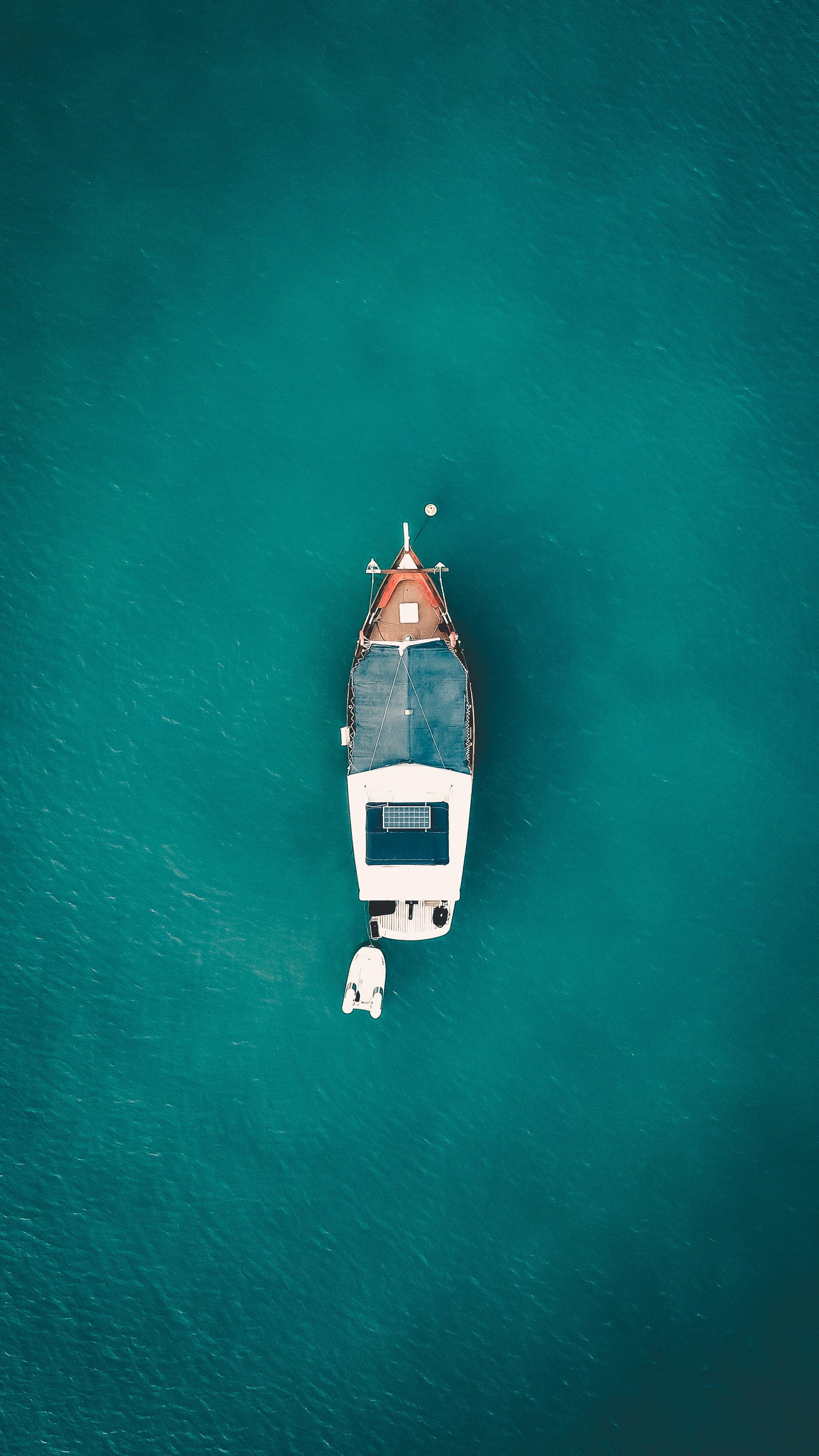 bird-s-eye-view-boat-daylight-2249602.jpg
