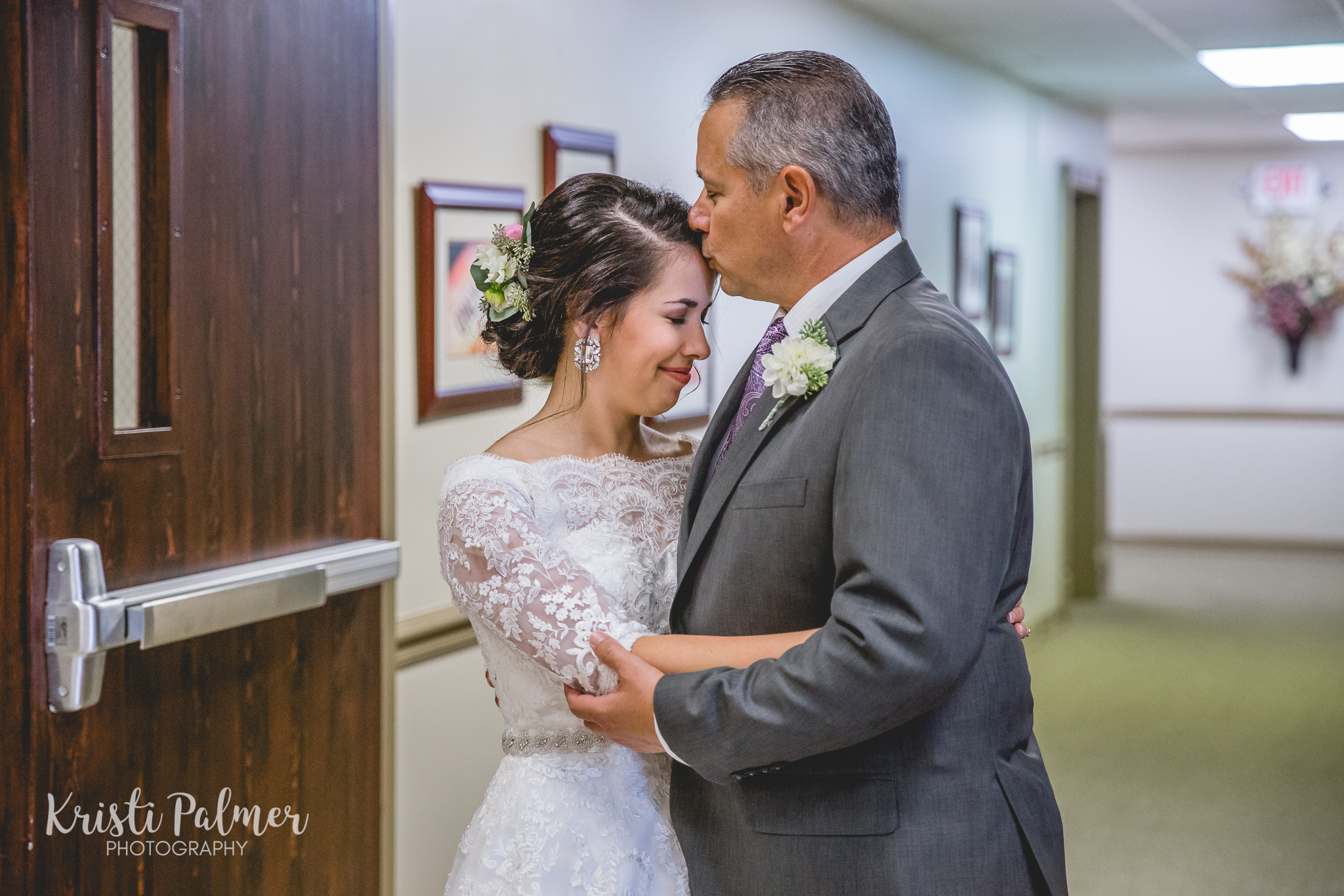 bride and father before the ceremony