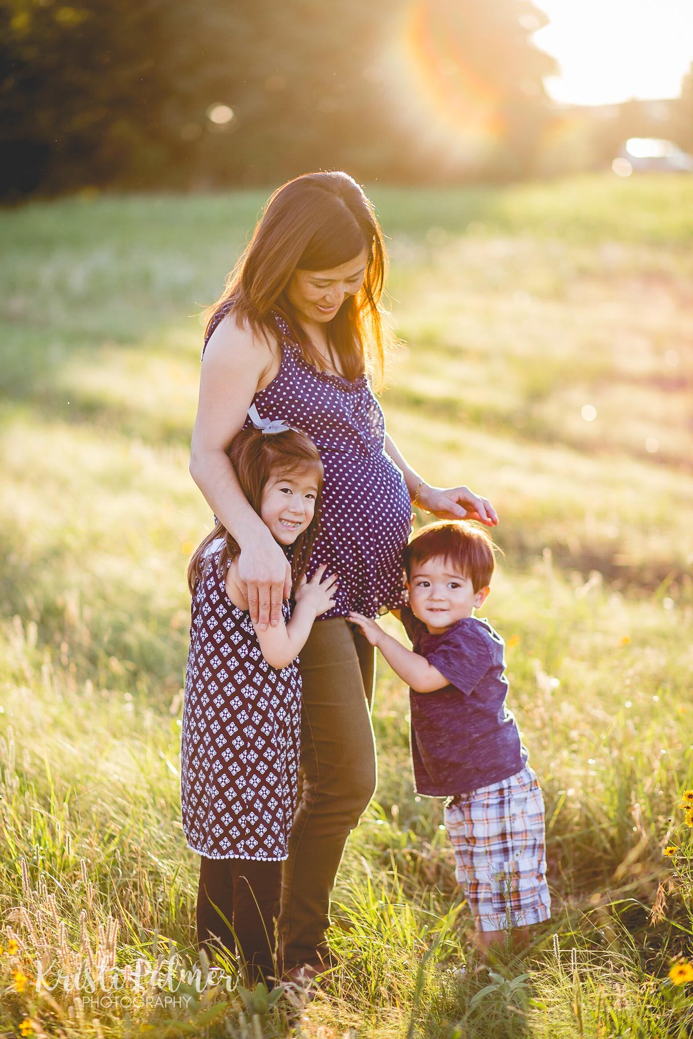 maternity photo mom with kids tulsa