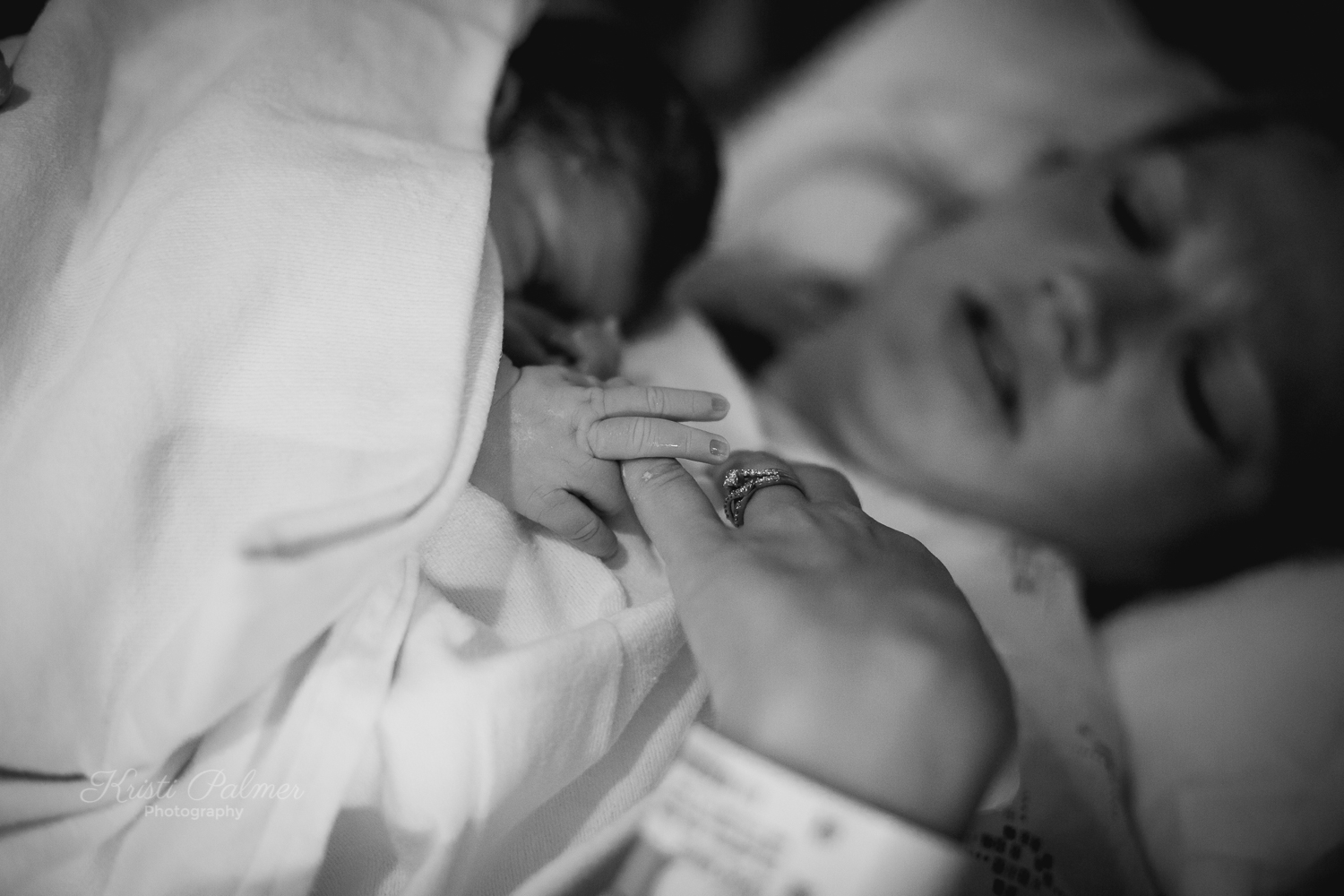 mom with new baby birth photos