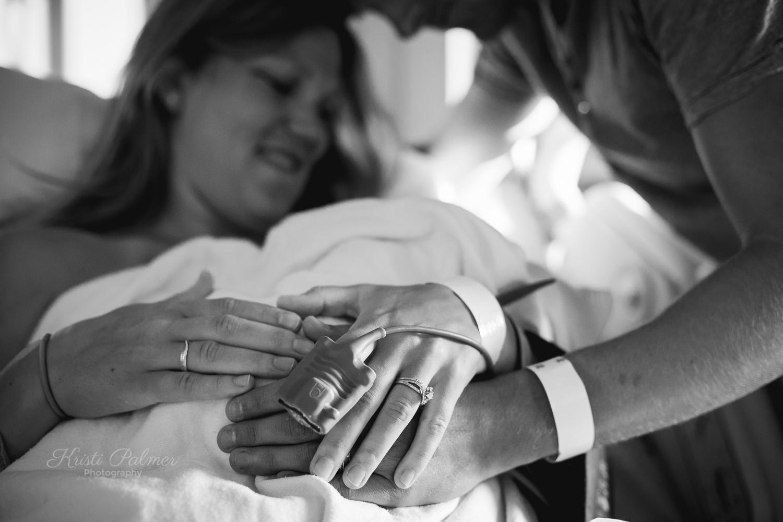 proud mom and dad birth photos hospital