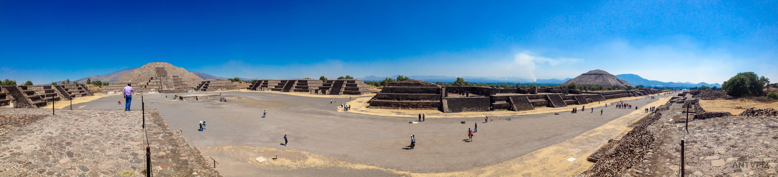 Between the Pyramid of the Moon (left) and the Pyramid of the Sun (right)
