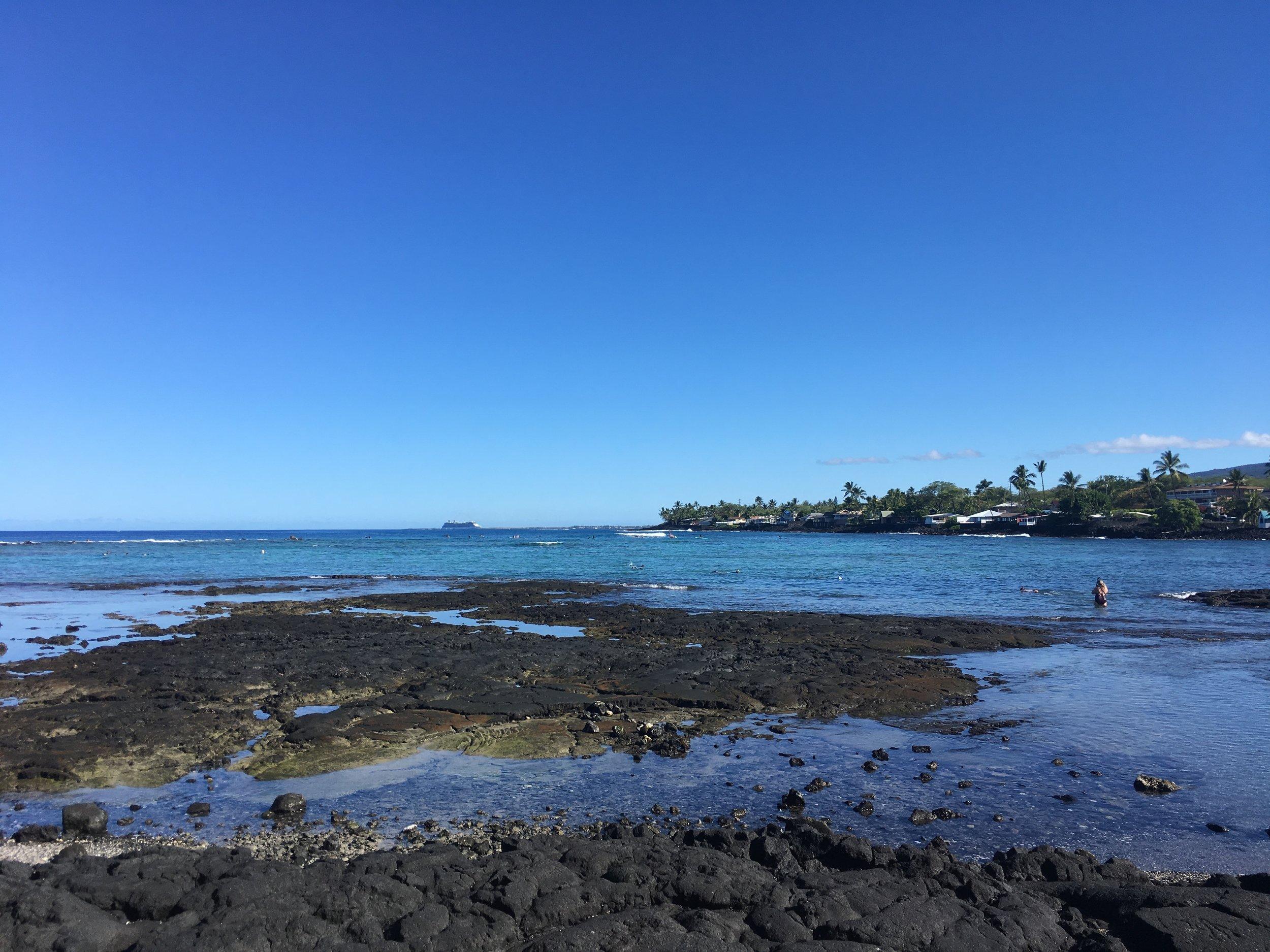 Kahalu'u Bay, photo by @emilysouthpaw.