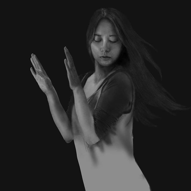 WIP of my next work. As usual I progressively start and finish a first pass of texture, on the most importan areas of the subject (head and hands). In this first stage I use only two default texture brushes, to keep the workflow simple. This is made on Clip Studio Paint.  #zoominzoomout #mycpuisburning #instaart #digitaldrawing #digitalpainting #wacomtablets #wacomtablet #lucasredondobonetartist #texturebrushes #blackandwhite #realism #realisticpaintings#pinturadigital #clipstudiopaint
