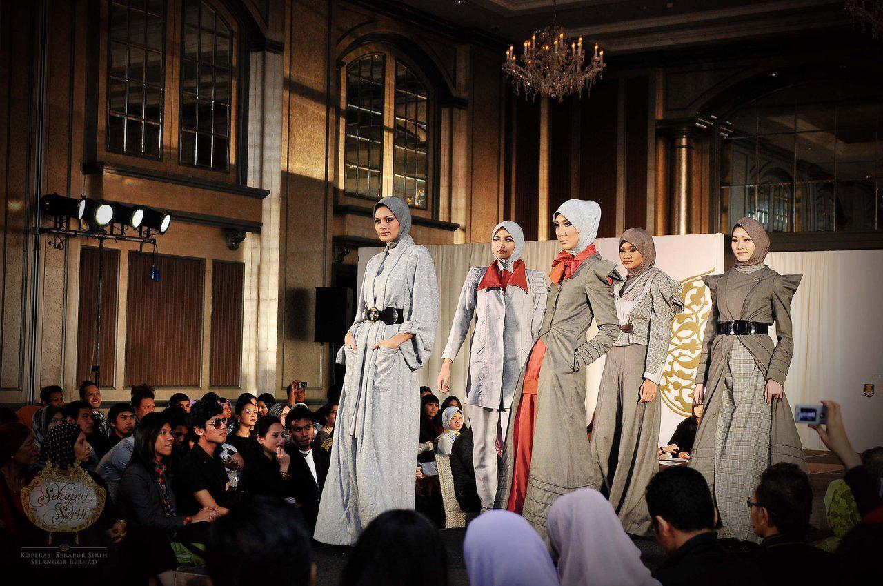 Busana Muslim Fashion Show, 2009. That double breasted jacket....