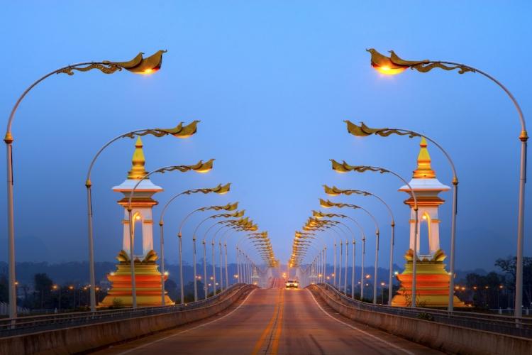 bridge-1532382_1920.jpg
