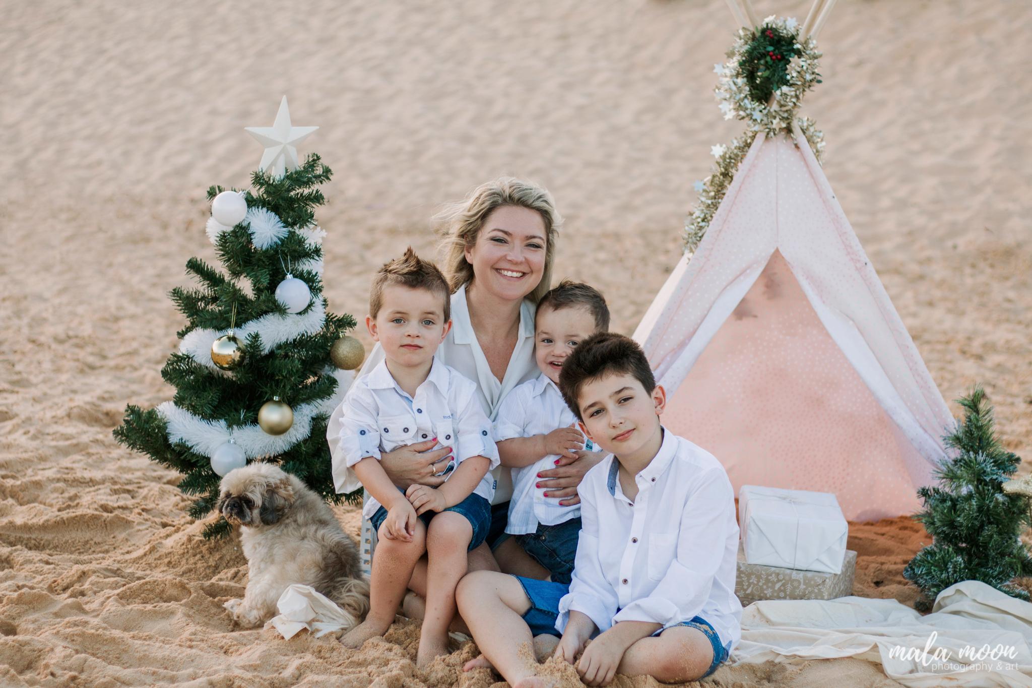 cute-family-portrait-christmas-central-coast