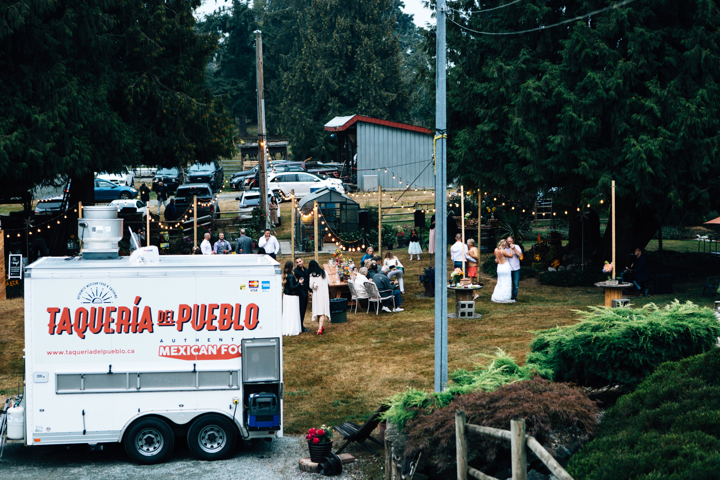 ABBOTSFORD COUNTRY WEDDING CATERING
