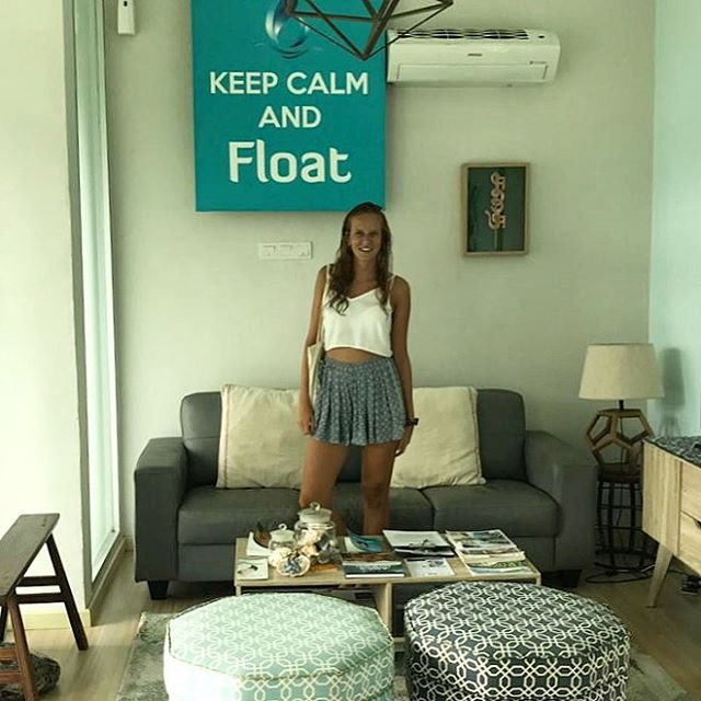 Another excited guest from Holland getting ready for the weekend with a Friday float session . . . . #tgif #float #friday #fresh #weekend #spa #wellness #meditation #mindfulness #keepcalm #detox #recovery #chill #relax #epsomsalt #magnesium #floatforhealth