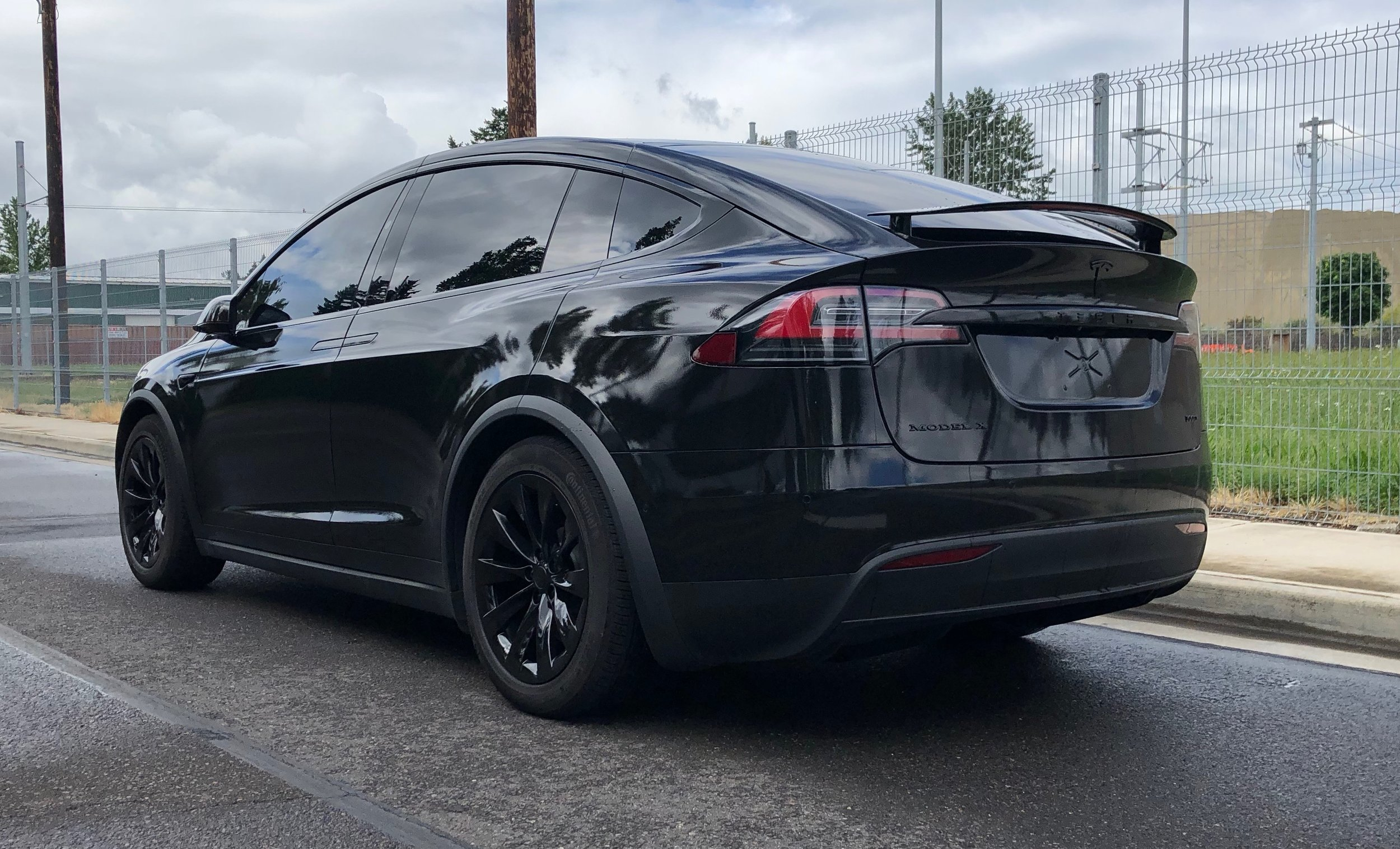 Gloss Black AutoFlex Body, Wheels, & Trim
