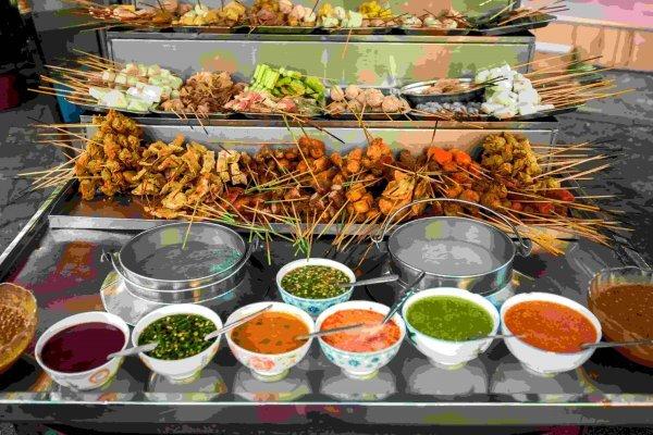 local-street-food-bangkok-thailand-food-cart-thai-food.jpeg