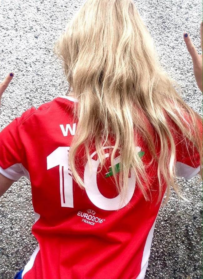 My Welsh Euro 2016 top from LIDL, what a dream.