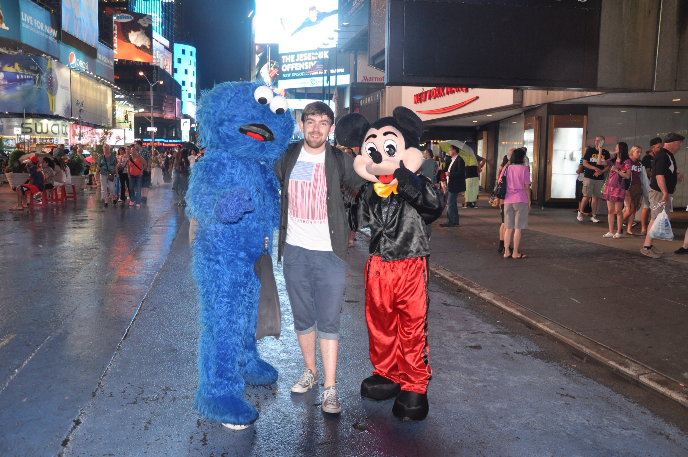 A very young Steven with Cookie Monster and Micky. We didn't have change as we'd just arrived but they were happy to take a rather large note... Each! Lesson learned.