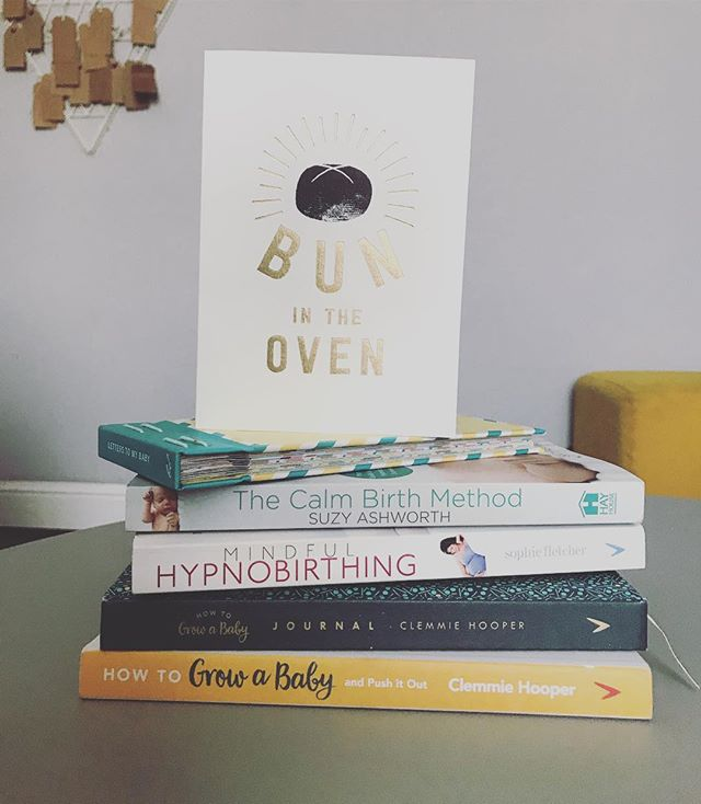 This is basically my life right now 🤓 I'm really loving @mother_of_daughters two books, as well as reading up on hypnobirthing after my course. I can't believe we are officially in double figures! I am both terrified & super excited 💕  #hypnobirthing #empoweredbumps #pregnantblogger #howtogrowababyjournal #bunintheoven #25weekspregnant #livblogsquad