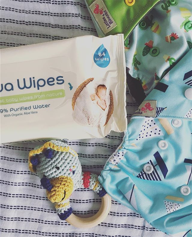 This week is all about getting things ready for the baby because we only have 13 weeks until my due date 😬 we are trying to be as eco friendly as possible with this pregnancy, so winning a month's supply of @aqua_wipes has really helped!  #clothdiapers #clothnappies #reusablenappies #ecobaby #preganantblogger #27weekspregnant #greenbaby #reusablediapers #waterwipes #aquawipes