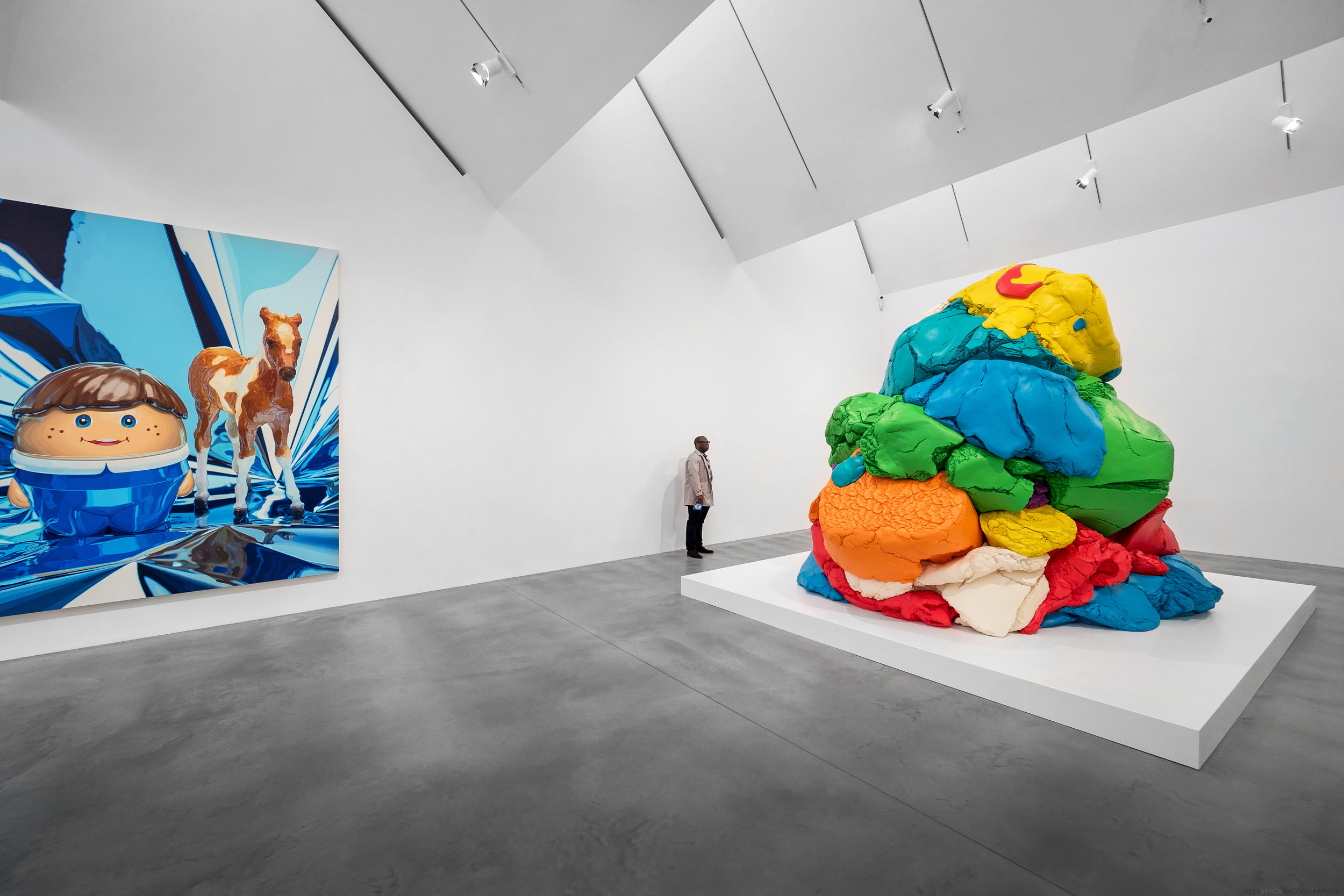 Interior Photography of Newport Street Gallery Exhibition Space - Artwork by Jeff Koons.