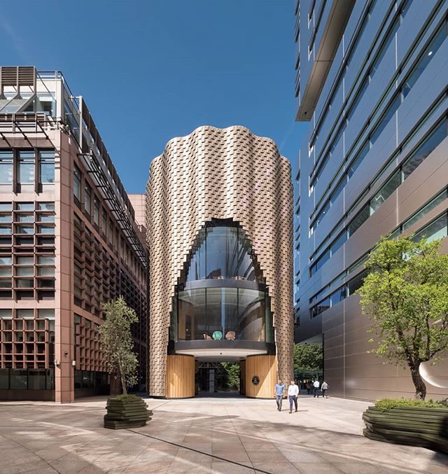 The newly completed 3 Broadgate building by Orms Architects, London 2019. . .  #archilovers #archdaily #tv_buildings #architecture_view #arc_only #archi_features #raw_architecture #srs_buildings #architecture_hunter #architecturelovers #archi_unlimited #architecture_london #icu_architecture #buildingswow #art_architecture #photooftheday #thisislondon #visualsoflife #visitlondon #sensational_architecture #archi_focus_on #excellent_structure #3broadgate #sensational_architecture #ptk_architecture #architecture_london @orms_architects @pohlfacades