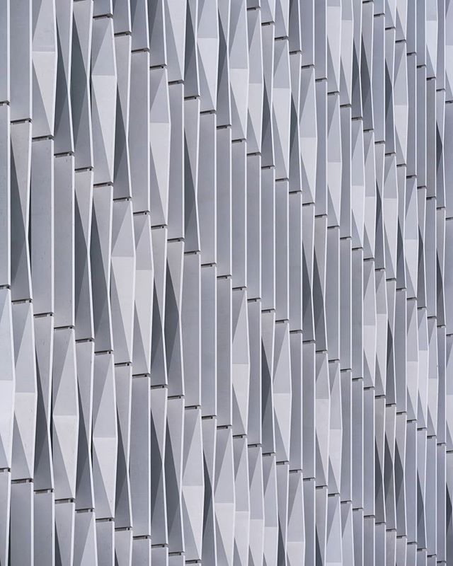 Detail shot of the angular fins decorating the facade of @alliesandmorrison new Michael Uren building at @imperialcollege London. The building will be home to the Biomedical Engineering Research Hub. . .  #archdaily #archilovers #facadelovers #alliesandmorrison #imperialcollegelondon #archi_features #architecture_hunter #art_architecture #icu_architecture #srs_buildings #raw_architecture #arkiminimal #arkiromantix #buildingswow #excellent_structure #minimal_hub #architecturelovers #archi_unlimited #architecture_london #architexture #ig_ometry #ptk_architecture #pocket_architecture #architecture_view #archi_focus_on