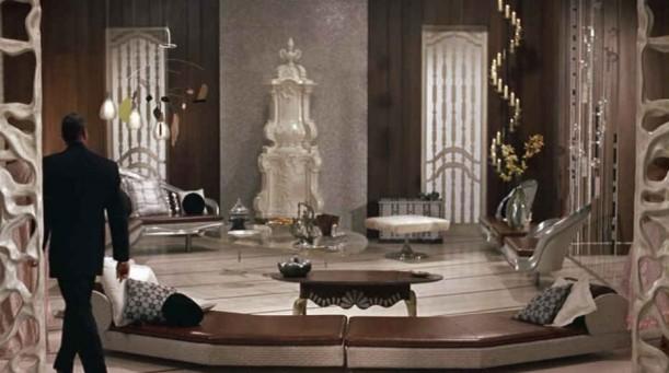 interior-design-movie-set-auntie-mame